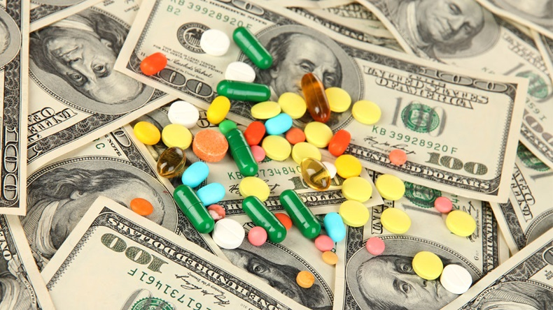 US-Money-and-Pills_V2_1200x675